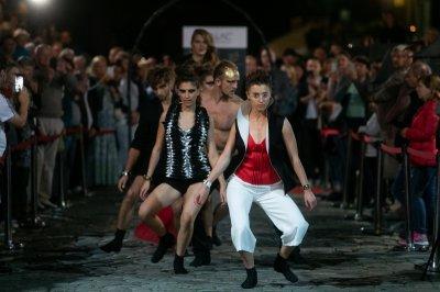 Pokaz-kolekcji-Resistance.-Magdalena-Ar-ukiewicz-i-Aleksander-Gliwi-ski.-Fot-MTG-SA--17---800x533-